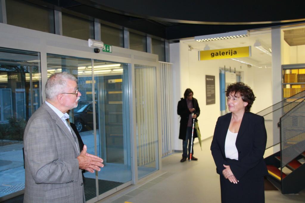 Obisk ministrice za kulturo v novih prostorih Knjižnice slepih in slabovidnih Minke Skaberne
