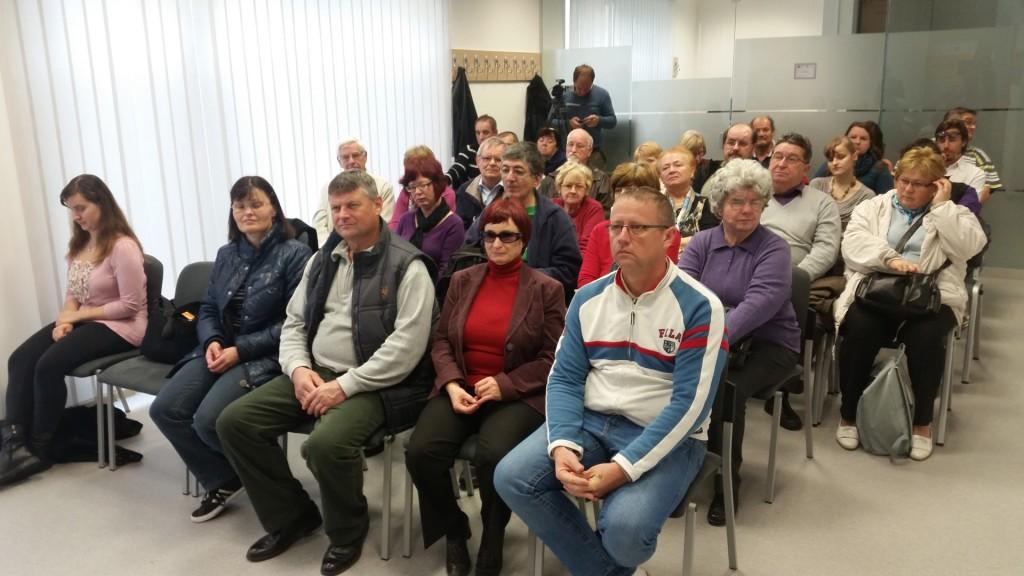 Obisk članov Medobčinskega društva Maribor v prostorih Knjižnice slepih in slabovidnik Minke Skaberne